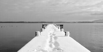 black-and-white-boardwalk-boat-bridge-276425